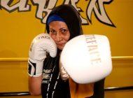 56 Yaşındaki Kick Boks Sporcusu Gençlere Taş Çıkartıyor