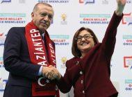 Cumhurbaşkanı Erdoğan'dan Başkan Fatma Şahin'e Övgü