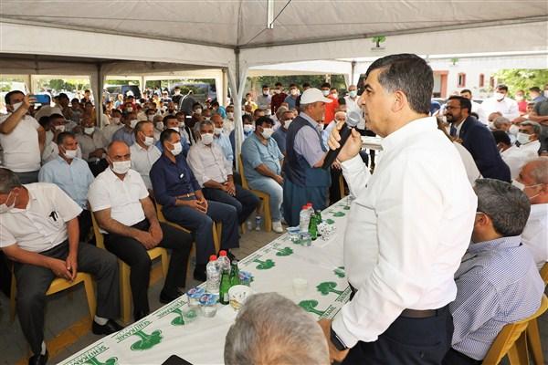 AK Parti Heyeti Muhtarlar ve Mahallelilerle Buluştu