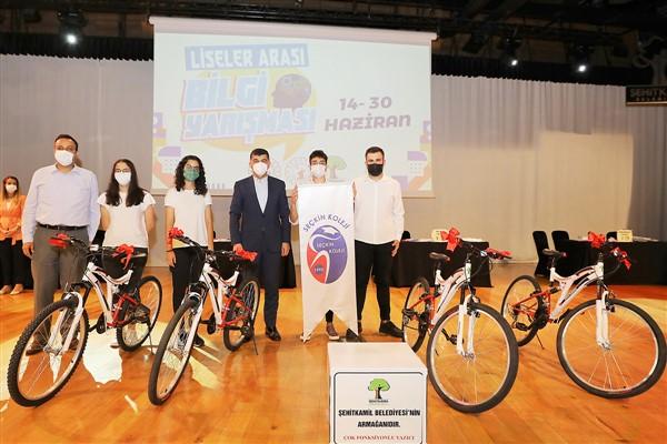 Şehitkamil'de Liseler Arası Bilgi Yarışması Düzenlendi