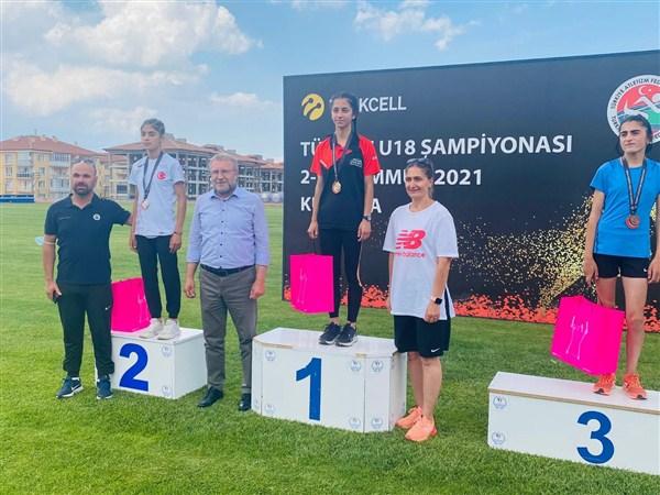 Büyükşehir'den Kütahya'daki Atletizm Şampiyonasında Türkiye Birinciliği!