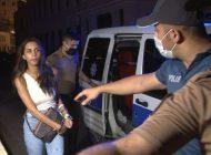 Ünlü oyuncu Ayşegül Çınar bıçaklı kavga sonrası gözaltında