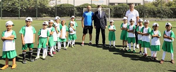 Yaz Futbol Akademinde Başarı Getiren Model