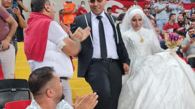Gaziantep FK-Antalyaspor maçında gelin-damat sürprizi