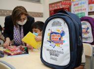 Büyükşehir İlkokul 1. Sınıf Öğrencilerine Okul Çantası Dağıtmaya Başladı