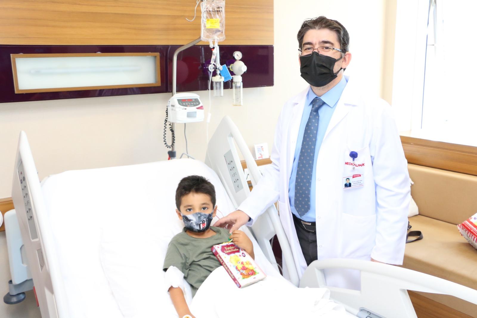 """''Dünya Okuma Gününde, Medical Park Gaziantep'ten Miniklere Masallar"""""""