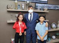 Paralimpik 3'sü Sevilay'dan Başkan Fadıloğlu'na Ziyaret